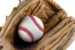 Перчатка и шарик бейсбольного матча стоковое изображение rf