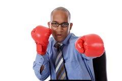 перчатки бизнесмена бокса афроамериканца молодые Стоковые Фото