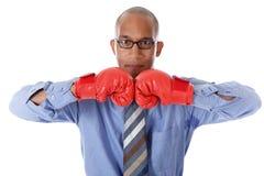 перчатки бизнесмена бокса афроамериканца Стоковое Изображение