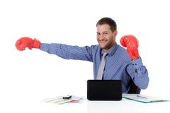 перчатки бизнесмена бокса кавказские молодые Стоковые Фотографии RF