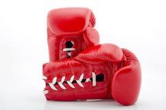 2 перчатки бокса на белой предпосылке Стоковая Фотография RF