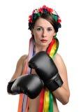 перчатки девушки бокса топлесс Стоковое Фото