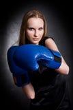 перчатки девушки способа бокса Стоковые Фотографии RF