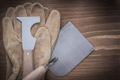 Перчатки конструкции лопаткы и кожи bricklaying Spattle закрывают Стоковые Фото