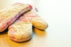 Перчатки кухни Стоковая Фотография
