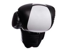 Перчатки одного черные бокса на белой предпосылке Стоковые Фото