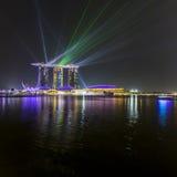 ПЕСКИ ЗАЛИВА МАРИНЫ, СИНГАПУР 5-ОЕ НОЯБРЯ 2015: Красивый лазер s стоковое изображение