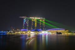 ПЕСКИ ЗАЛИВА МАРИНЫ, СИНГАПУР 12-ОЕ ОКТЯБРЯ 2015: красивый лазер sh стоковое изображение