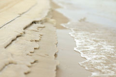 Песок будучи выветриванным потоком Стоковое Изображение