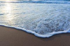 Песок воды мытья пляжа Стоковая Фотография RF