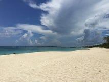 Песок и облако Стоковые Изображения
