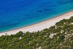 песок камушков воздушного пляжа хорватский Стоковое Изображение RF