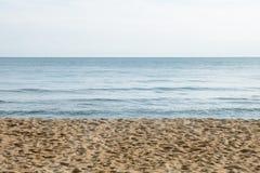Песок моря и ясная текстура неба Стоковые Фотографии RF