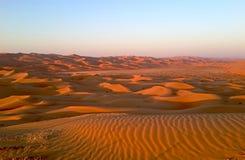 песок России kurshskaya kosa горизонта дюн шагает протягивающ к Стоковые Фото