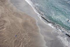 песок prainha Мадейры пляжа черный стоковое изображение