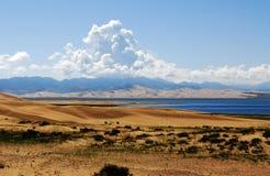 песок qinghai озера острова Стоковая Фотография