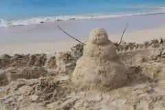 Песочное человек на пляже в Антигуе Барбуде Стоковые Фотографии RF