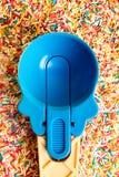 Пестротканая пастельная предпосылка или красочная текстура с взгляд сверху Пастельные вкусные пушистые сладостные мини зефиры мин Стоковая Фотография