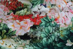 Пестротканая ткань с флористической печатью Стоковые Изображения