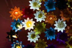 Пестротканое освещение свечи; плавать в ушат Стоковые Фотографии RF