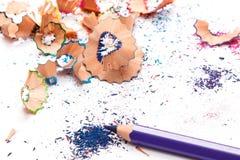 Пестротканые карандаши и shavings Стоковое Изображение