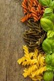 Пестротканые макаронные изделия uncooked Стоковые Фото