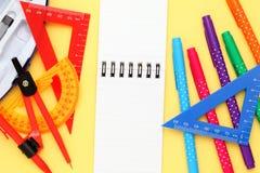 Пестротканые ручка, правители и тетрадь Стоковое Изображение RF