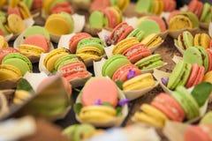 Пестротканые сладостные конфеты на рынках Стоковые Фотографии RF
