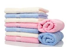 пестротканые штабелированные полотенца Стоковое Фото