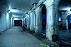 Песчаная темная улица города Чикаго на ноче Стоковые Изображения RF