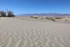 Песчанные дюны в национальном парке долины смерти california Стоковая Фотография RF