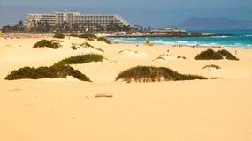 Песчанные дюны около Corralejo, Фуэртевентуры, Испании стоковое фото
