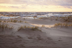 Песчанные дюны в солнечном свете вечера Стоковое Изображение