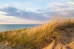 Песчанные дюны и небо Стоковое Фото