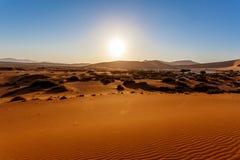 Песчанные дюны на Sossusvlei, Намибии Стоковое Изображение RF