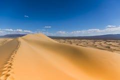 Песчанные дюны петь пустыни Гоби Стоковое фото RF