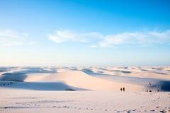 Песчанные дюны с голубыми и зелеными лагунами в Lencois, Бразилии Стоковые Изображения