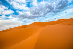 Песчанные дюны эрга Chebbi, Марокко Стоковое Изображение