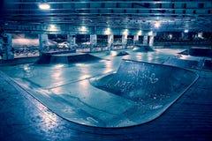 Песчаный и страшный парк конька города на ноче Стоковые Фото