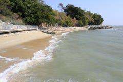 Песчаный пляж острова xiaodeng стоковые изображения rf