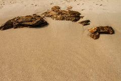 Песчаный пляж Samet Koh Таиланда трясет камни Стоковая Фотография RF