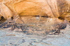 петроглифы десерта трясут вади песчаника рома Стоковая Фотография RF