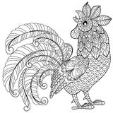 Петух в стиле zentangle Символ китайского Нового Года 2017 Взрослая antistress страница расцветки Черно-белой doodle нарисованный Стоковые Фото