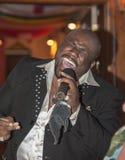 Петь мужчины чёрного африканца в реальном маштабе времени Стоковые Фото