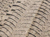 Печати автошины в грязи Стоковое Изображение