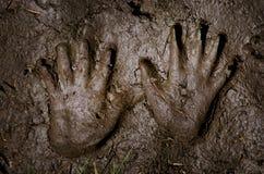 Печати руки на песке Стоковые Фотографии RF