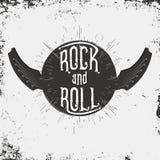 Печать музыки рок-н-ролл Печать Grunge для футболки с литерностью и крыла в гитаре формируют иллюстрация вектора