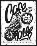 Печать футболки мотоцикла гонщика кафа винтажной нарисованная рукой Иллюстрация штока