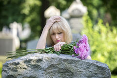Печаль крупного плана в кладбище Стоковые Изображения