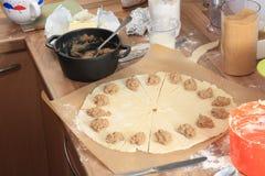 Печенье в прогрессе стоковые фотографии rf